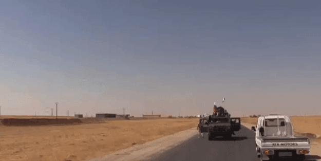 Rus hərbi maşınından PKK/YPG -li terrorçular çıxdı - Terrorçulara dəstək belə ifşa olundu (ŞOK VİDEO)